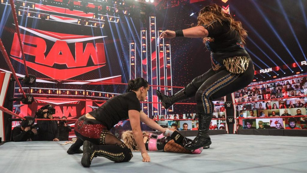 Shayna Baszler and Nia Jax destroy Lana's leg.