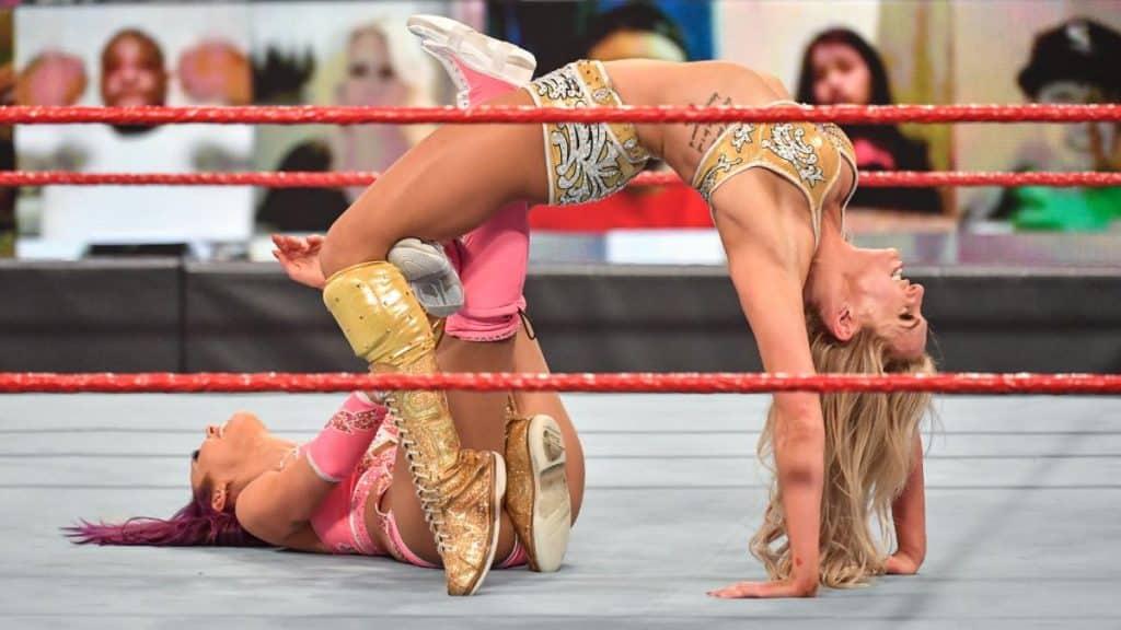 Charlotte Flair figure Eight on Peyton Royce