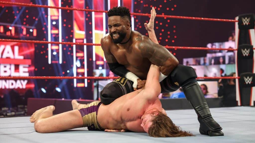 Cedric Alexander stretches Riddle