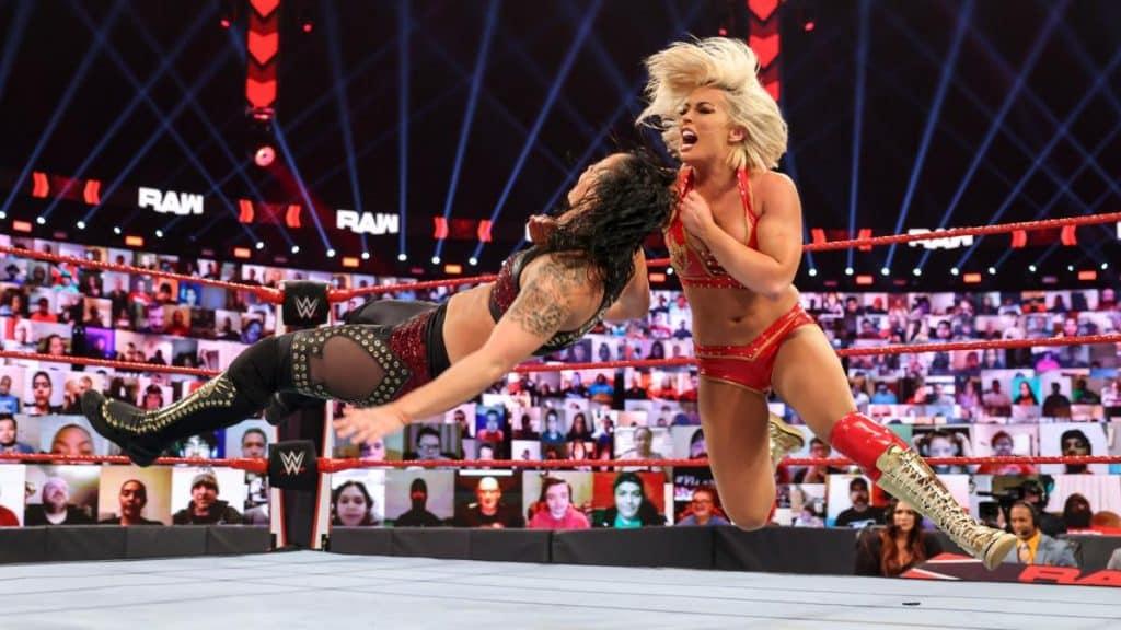 Mandy Rose takes down Shayna Baszler