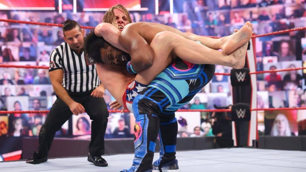 Riddle tries to submit Xavier Woods
