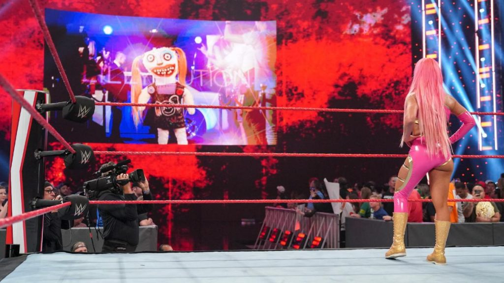 Eva Marie watches the Lilly-lution on the big screen