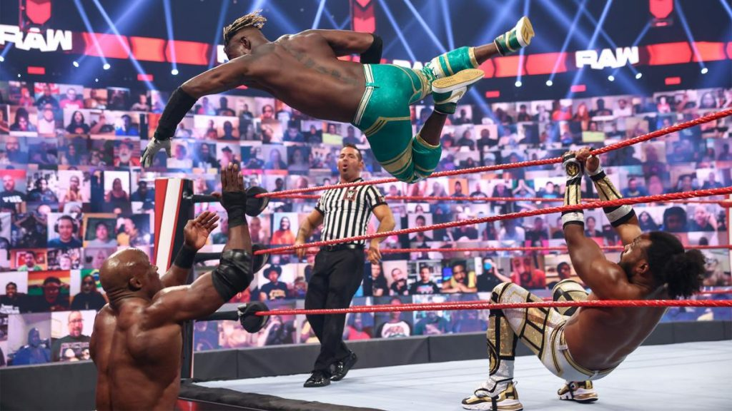 Kofi Kingston flies onto Bobby Lashley