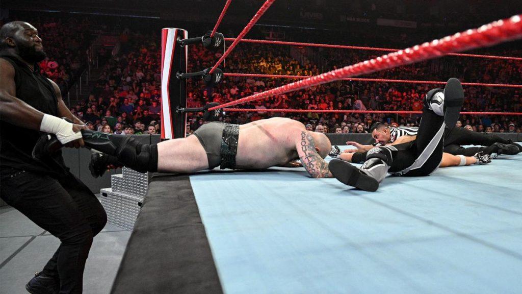 Omos pulls Erik off covering AJ Styles